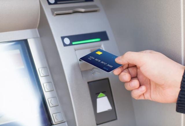 Можно ли использовать кредитную карту как дебетовую, в чем выгода