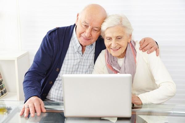 Тинькофф кредит: со скольки лет дают займ и другие условия