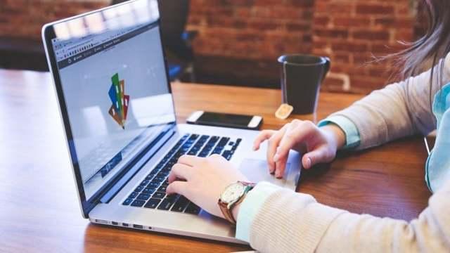 Домашние Деньги: узнать задолженность онлайн и по телефону