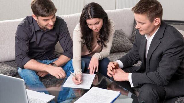 Сколько нужно отработать чтобы взять кредит: требования банков и особенности