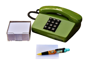 Имеют ли право коллекторы звонить на работу: что делать и как избежать повторных звонков