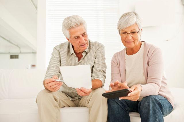 Взять кредит пенсионерам: условия и требования